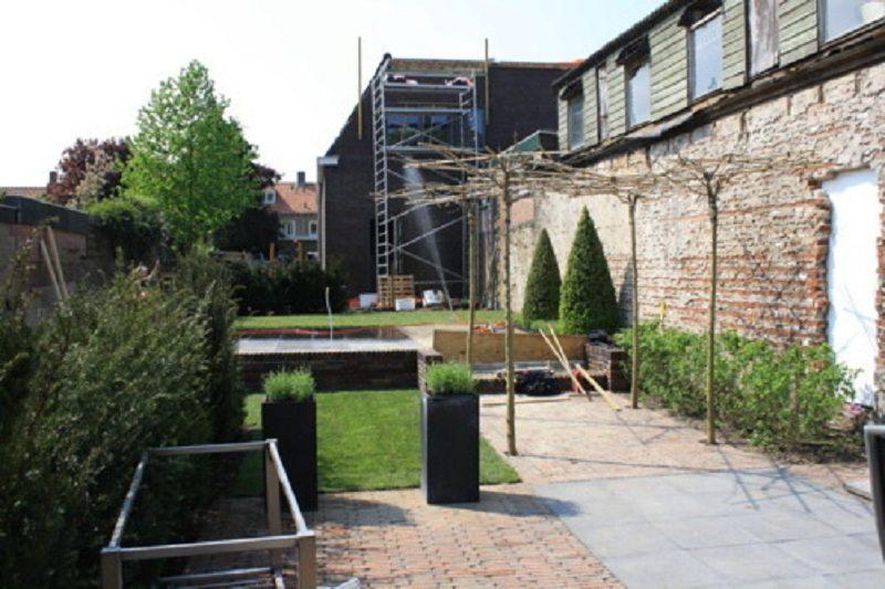 tuin bij bedrijf